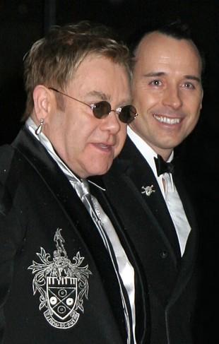 Elton John: Nie popieram ślubów homoseksualistów!