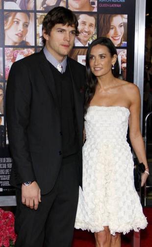 Ashton i Demi Moore dzielą się kobietami!