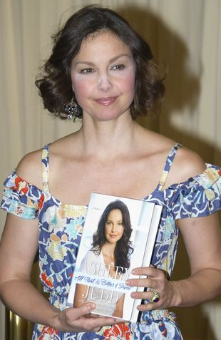 Makijażowa wpadka Ashley Judd (FOTO)