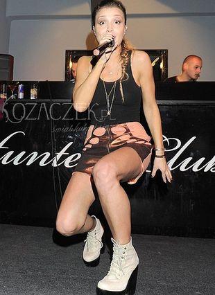 Marina prezentuje kolejna dwa kawałki z nowego albumu