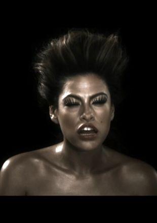 Przerażająca Eva Mendes (VIDEO)