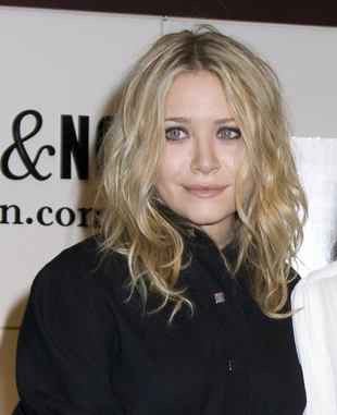 Mary-Kate Olsen rozbiera dziennikarza