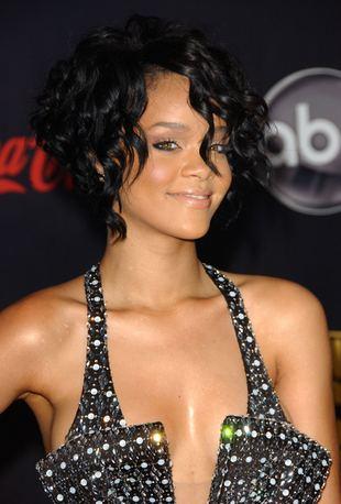 Rihanna blednie