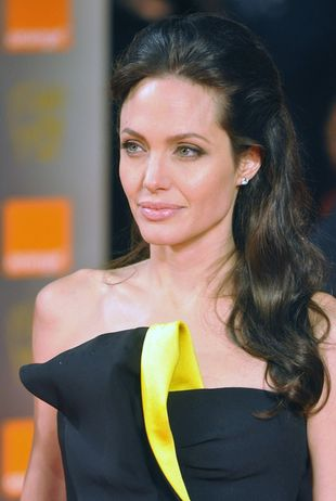 Angelina Jolie ma kolejny tatuaż (FOTO)