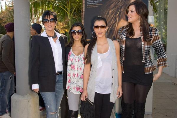 Rodzinka Kardashian sprzedaje swoją posiadłość