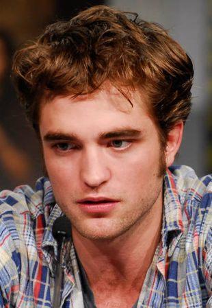 Fanka chora na świńską grypę pocałowała Pattinsona
