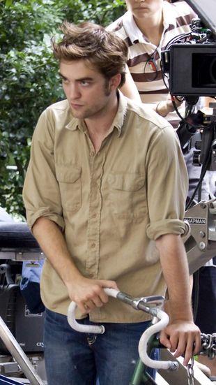 Robert Pattinson żyje w złotej klatce