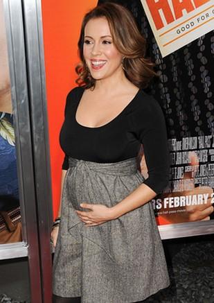 Alyssa Milano pokazuje ciążowy brzuszek (FOTO)