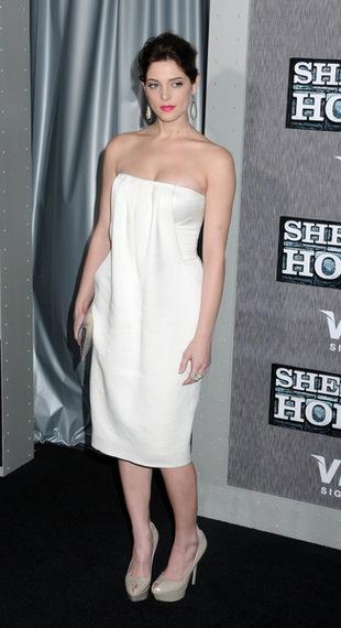 Ashley Greene wygląda, jakby owinęła się ręcznikiem (FOTO)