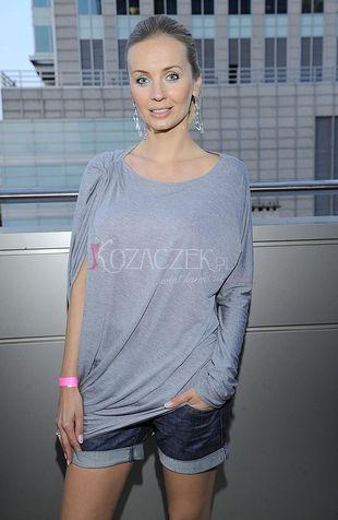 Agnieszka Szulim chowa biust (FOTO)