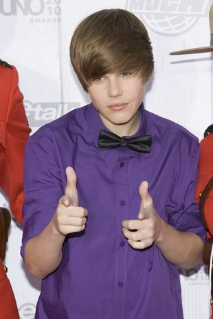 Justin Bieber już się nie szczerzy (FOTO)