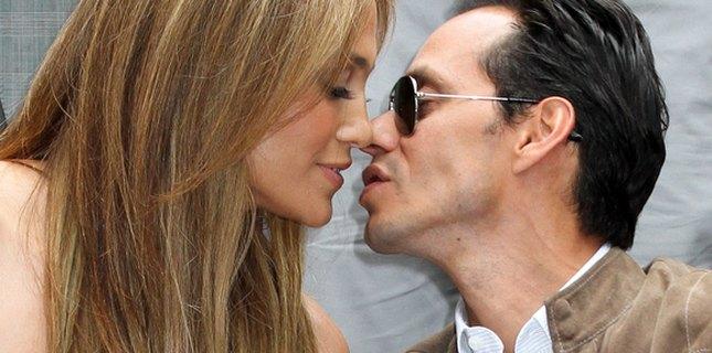 Ciągle zakochana Jennifer Lopez (FOTO)