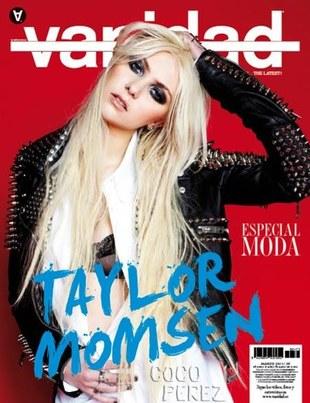 Taylor Momsen założyła różową sukienkę