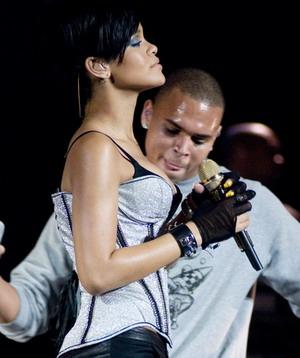 Rihanna i Chris Brown zaręczeni!