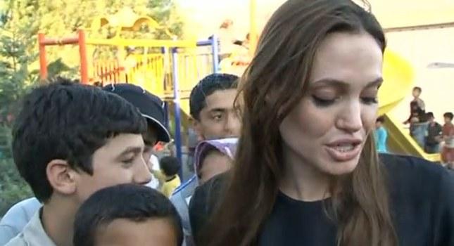 Słabe włosy, zmęczona twarz – oto Angelina Jolie (FOTO)