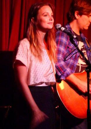 Leighton Meester na scenie czuje się jak ryba w wodzie(FOTO)