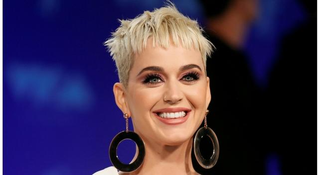 Podczas rozprawy sądowej z Katy Perry, jedna osoba ZMARŁA!