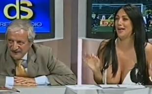 Marika Frusci i jej piersi - świetna reklama Mundialu VIDEO