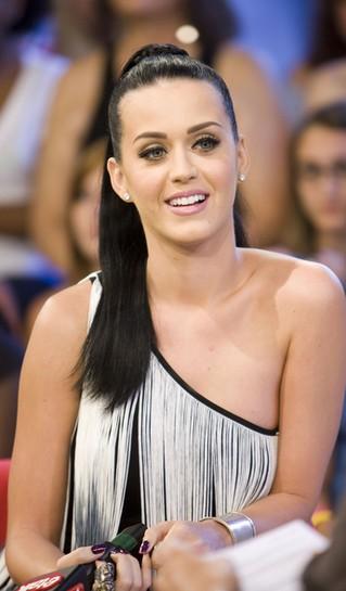 Katy Perry: Chcę zobaczyć Rihannę nago