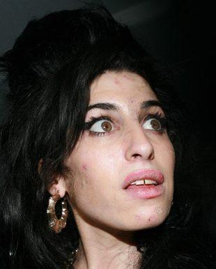 Amy Winehouse spróbuje moczu