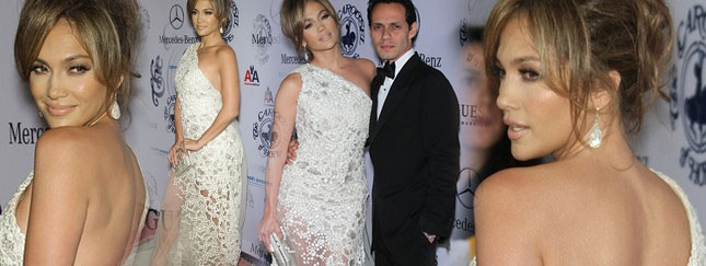 Jennifer Lopez - kreacja obsypana perłami (FOTO)