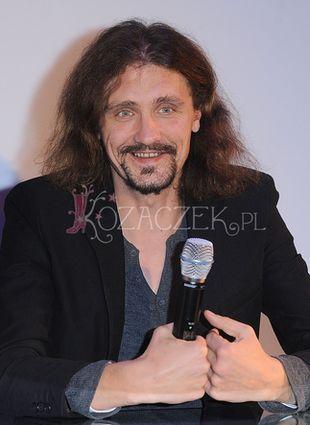 Uśmiechnięty Gienek Loska promuje swoją płytę (FOTO+VIDEO)