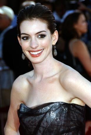 Anne Hathaway już nie chce operować nosa