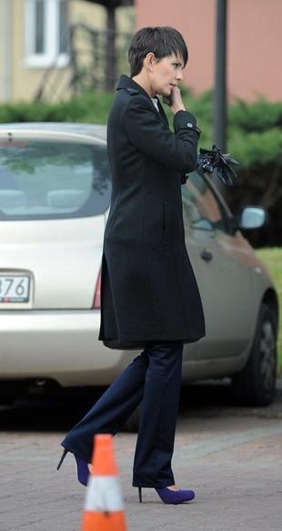 Dorota Gardias w szpilkach wysiada z porsche (FOTO)