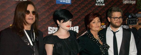 Rodzinka Osbourne prawie w komplecie