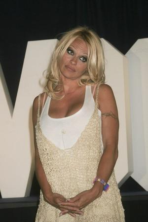 Pamela Anderson i jej spadające majtki
