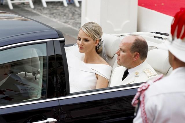 Książę Albert zdradził Charlene Wittstock przed ślubem?