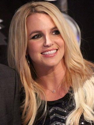 Britney Spears tuli się do Mikołaja (FOTO)