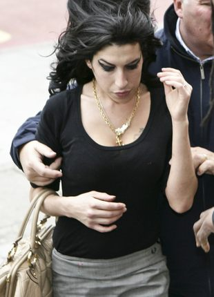 Amy Winehouse może przegapić Grammy