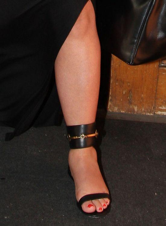 Kim Kardashian, spuchnięte stopy, 2013