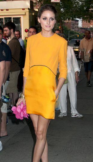 Ta słynna fashionistka bardzo chętnie pokazuje nogi (FOTO)