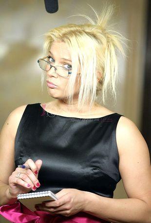 Liszowska woli śpiewać na bankietach?