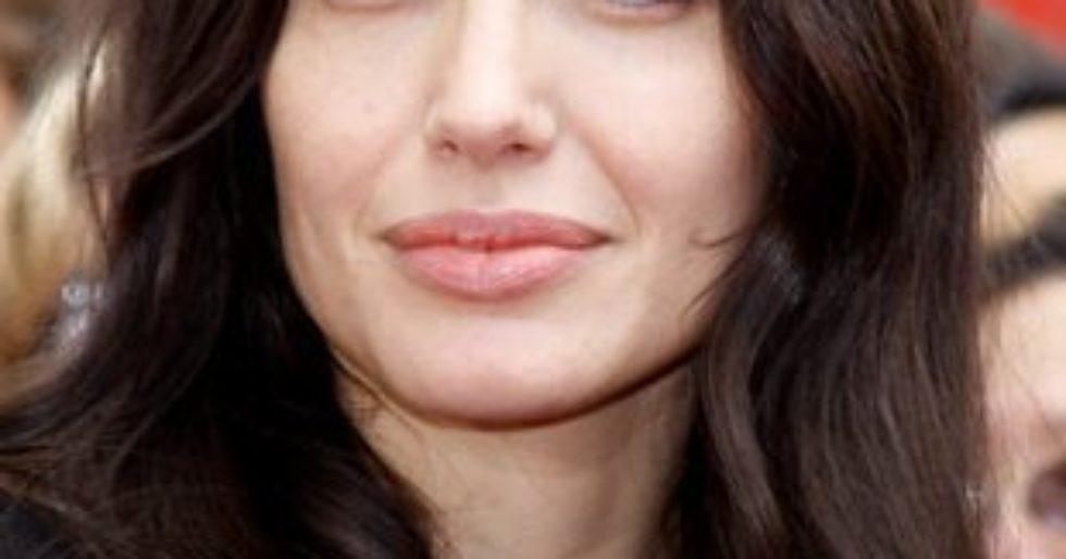 Angelina Jolie I Jej Wielki Tatuaż Nad Pupą Kozaczek