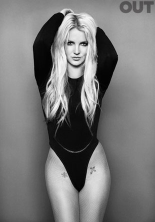Britney Spears na okładce magazynu Out (FOTO)
