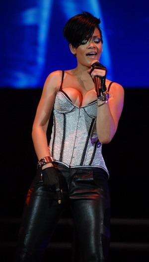 Rihanna i jej ubiór podczas koncertów