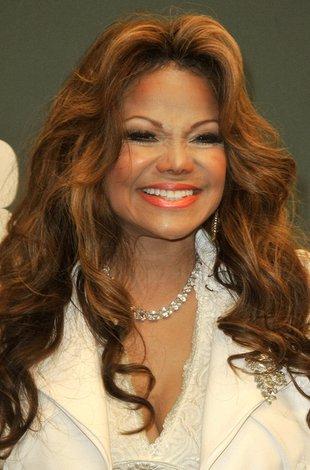 Czy LaToya Jackson może się jeszcze uśmiechać? (FOTO)