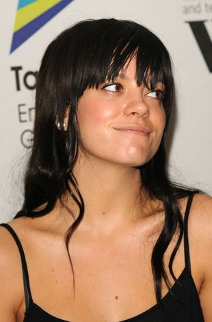 Lily Allen śpiewa Womanizer Britney Spears