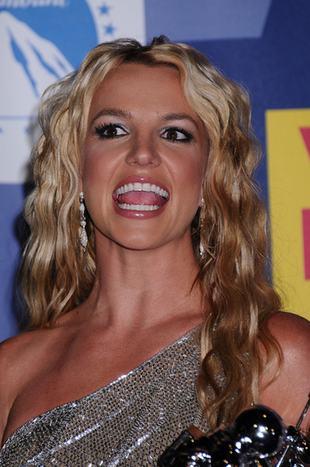 Czy Britney Spears zrobiła coś z ustami?
