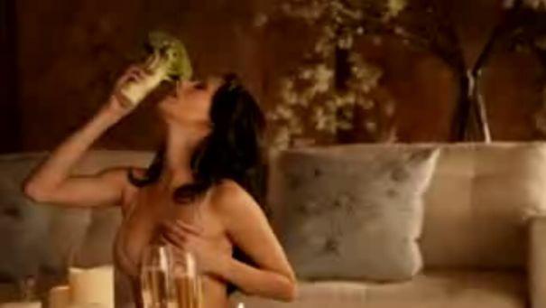 Bardzo erotyczna reklama PETA