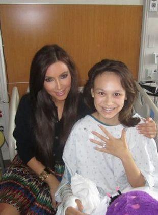 Kim Kardashian udziela się charytatywnie (FOTO)