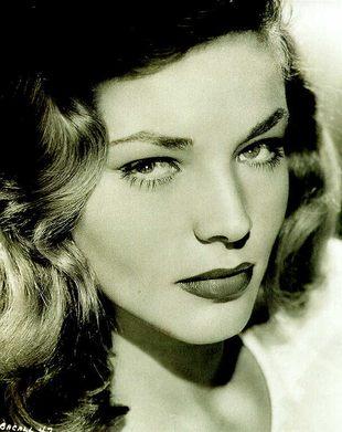 Stary dekolt Lauren Bacall (FOTO)