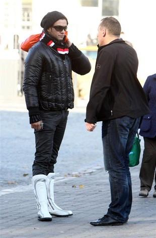 Kto nosi białe kozaczki? (FOTO)