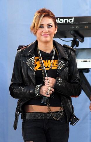 Mama Miley Cyrus zdradzała jej ojca!