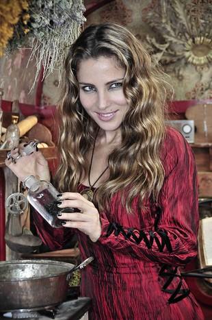 Elsa Pataky jest piękną czarownicą (FOTO)