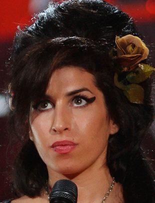 Amy Winehouse więźniem w swoim domu!