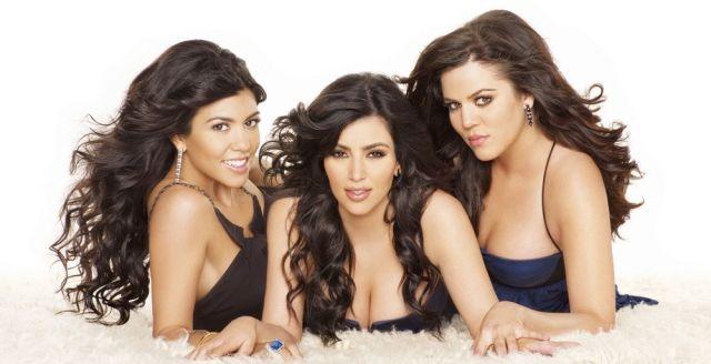 W czym tkwi tajemnica fenomenu Kardashianów?